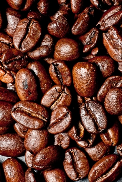 Roasted coffee beans can help to reduce the risk of gout.
