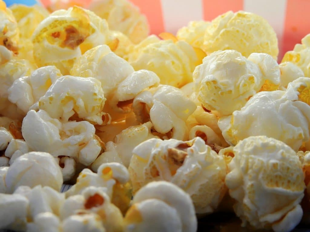 Is Popcorn Safe to Eat With Gout?
